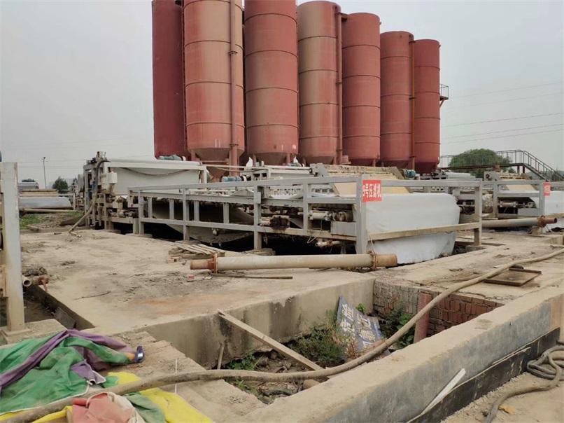 广西壮族自治区江西垃圾焚烧发电实现尾水污泥零排放,过程虽说曲折,但是结果令人满意!恒磊带式压滤机,牛!